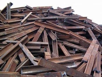 废铁回收的磁选和炉前准备